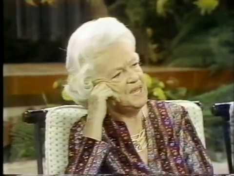 Gracie Fields--Biggest Aspidistra in the World, 1979 TV Performance