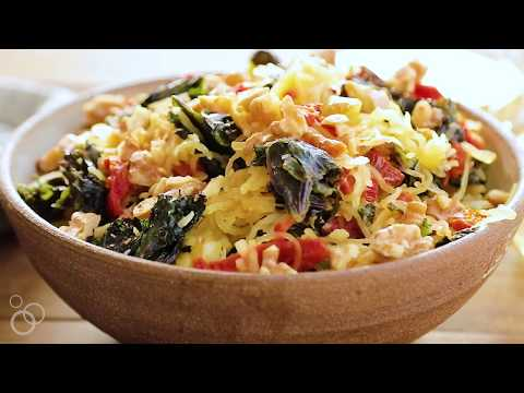 Spaghetti Squash with Kale, Sun-Dried Tomatoes, and Roasted Garlic – The Roasted Root