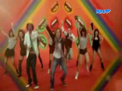 2---waving-flag-&-david-bisbal---mundial-2010---español