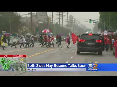 Both Sides Urged To Return To Talks As LA Teachers Strike Stretches To 3rd Day
