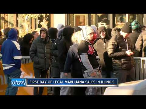 Illinois sees first legal sales of recreational marijuana