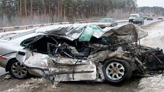 видео: САМЫЕ ЖЕСТОКИЕ АВАРИИ 18+Мото Аварии/авто Аварии/2011-12-13-14-15-16