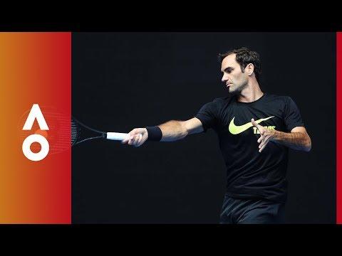 Federer arrives for AO18