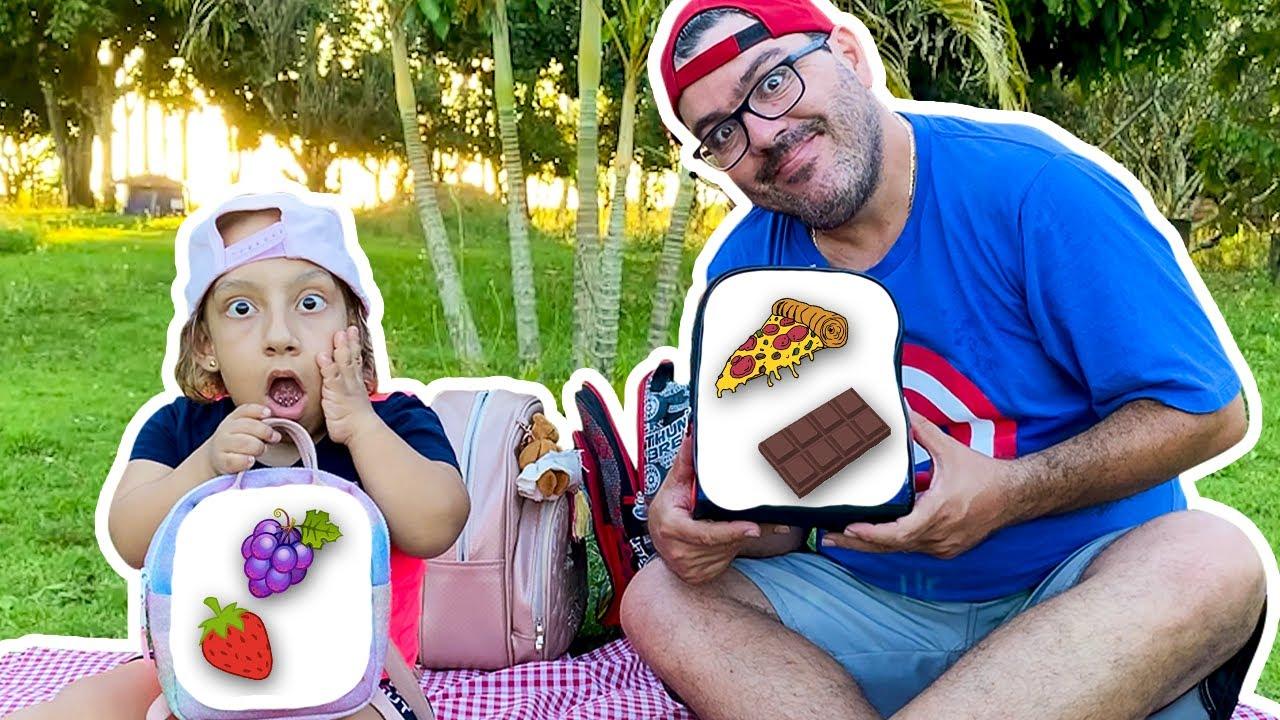 Maria Clara e papai vão a um PICNIC | Maria Clara and papa go to a picnic to eat lunch -MC Divertida