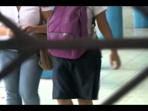 Estudiantes protagonizan nuevo video erótico