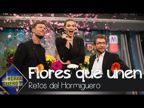 Karlie Kloss Y Ed Skrein Recrean La Escena De Las Flores De Su Anuncio - El Hormiguero 3.0