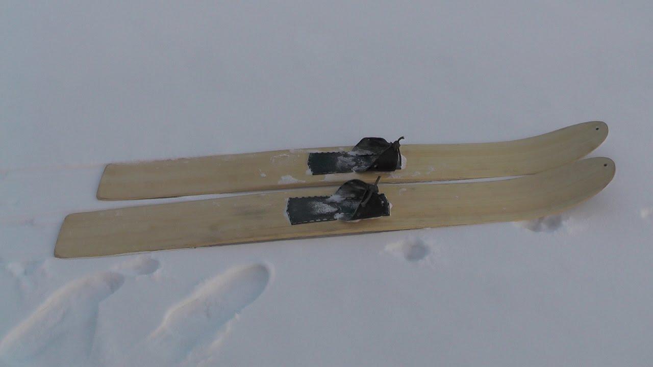 Г. Соловьев делает камус для лыж / Из не вошедшего в фильм .