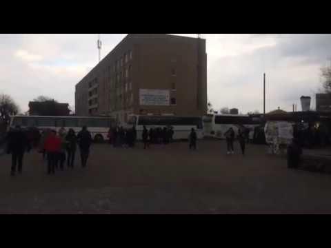Волинські Новини: Автобуси з людьми на зустріч з Порошенком | ІА Волинські Новини