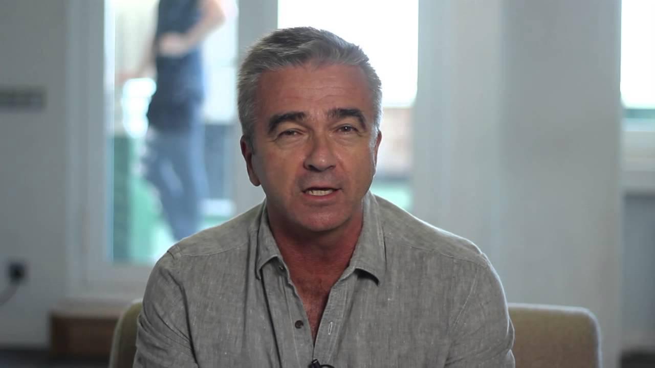 Carles francino presenta la nueva app de cadena ser youtube for Cadena ser francino