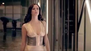 KAYA SCODELARIO ELEGANT DRESS SCENE CATWALK