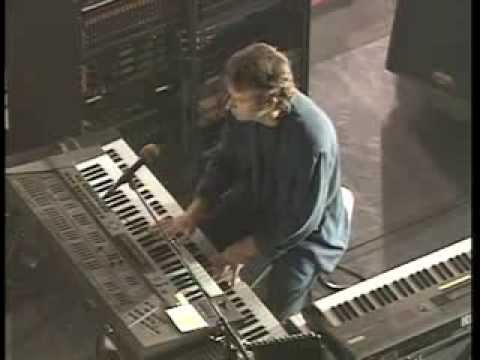 Genesis - Land of Confusion - Tony Banks Cam