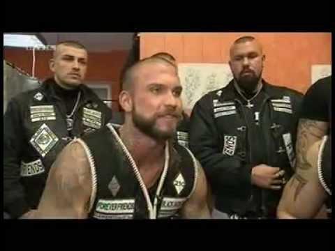 Die Black Jackets Motorradgang Ohne Motorrad Aber Mit Migrantenhintergrund.avi - YouTube