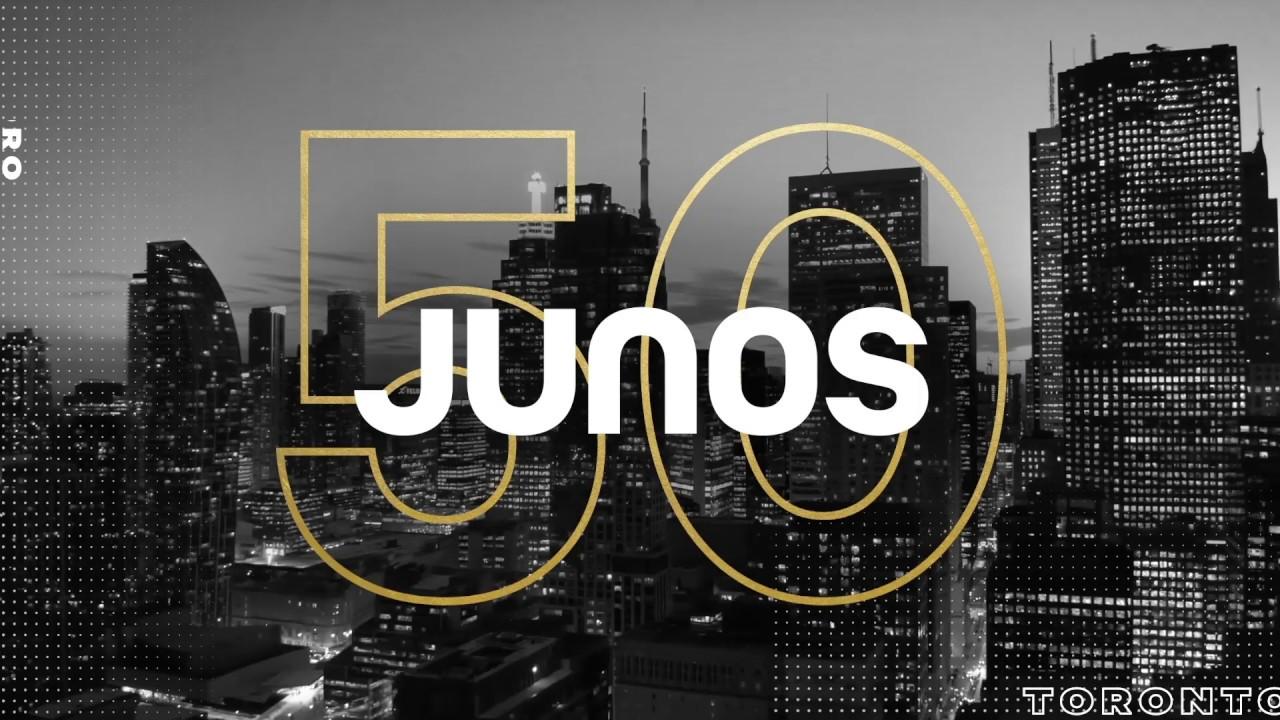 Justin Bieber performing at Canada's 50th annual Juno Awards ...