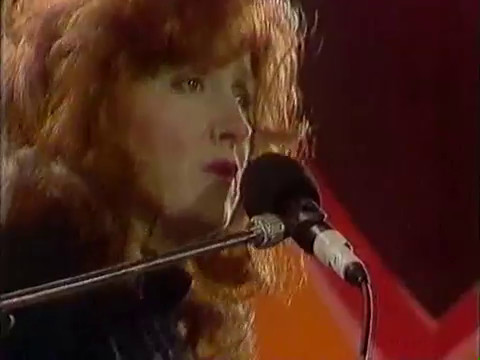 Bonnie Raitt   Love Letter at Tribute to Nelson Mandela 1990   YouTube