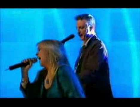 Billy Bragg singing with Helena - We Laughed