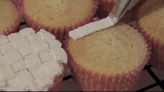Best Vanilla Cupcake Recipe (ever)