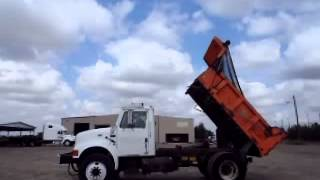 DUMP TRUCK INTERNATIONAL 4700 2002 (GM104807)
