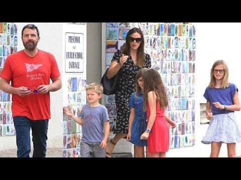 Ben Affleck And Jennifer Garner Take The Children To Church