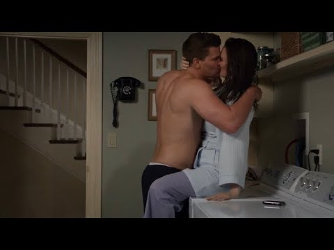 Download Bones 8x01 - Booth and Brennan almost have sex on the washing machine