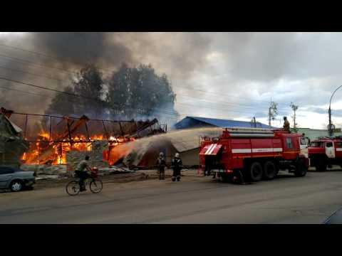 В Ярославле сгорел автосервис - 26 мая 2017