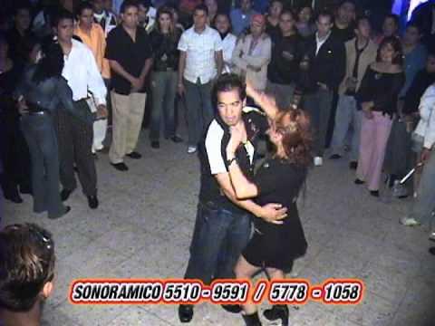 LA NIÑA DESCARADA !!!! ,lo mejor de youtube en bailes callejeros en la ciudad de mexico.