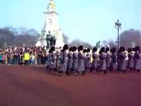 Christmas Changing of the Guards -- QUICK TIME!