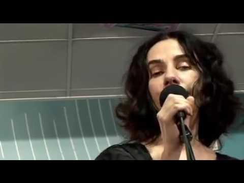 PJ Harvey & John Parish - Black Hearted Love [Live]