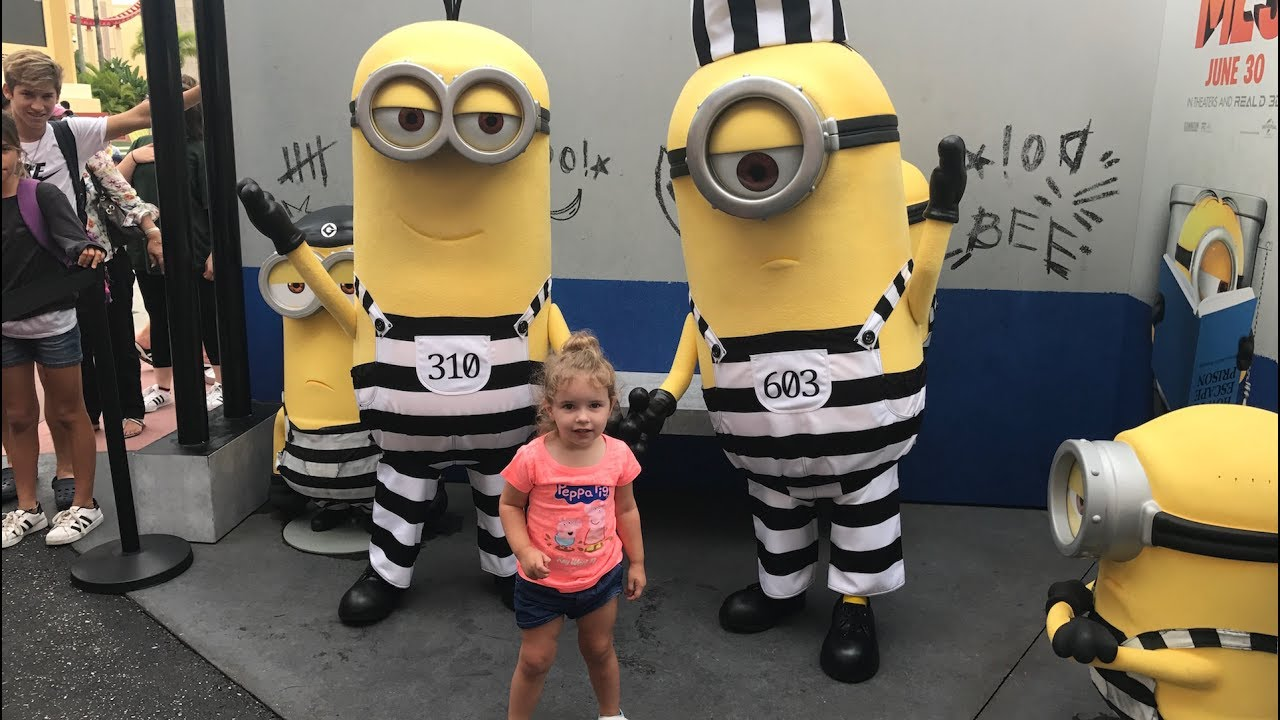 Minions From Despicable Me 3 Meet Guests At Universal