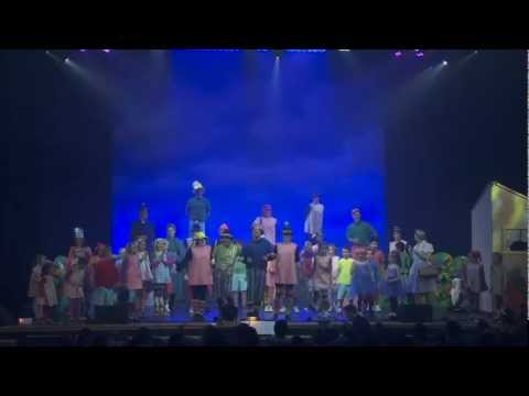 Way Off Broadway Extra  Sarina Condello's production of the Wizard of Oz