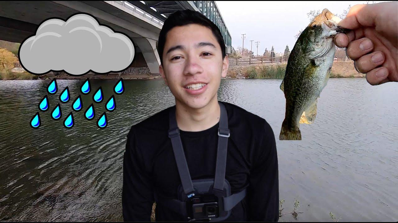 Rainy Day Bass Fishing at Almaden Lake (SOAKED and FREEZING)