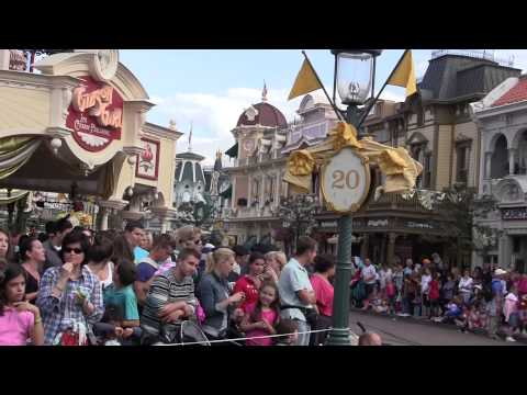 Kids Play in Paris: A LaDoMedia Family Travel Documentary