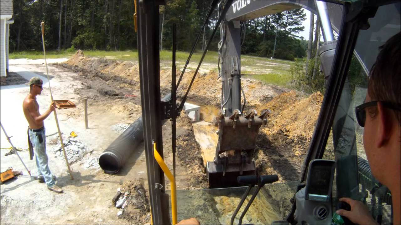Excavator Trenching For Pipe Youtube