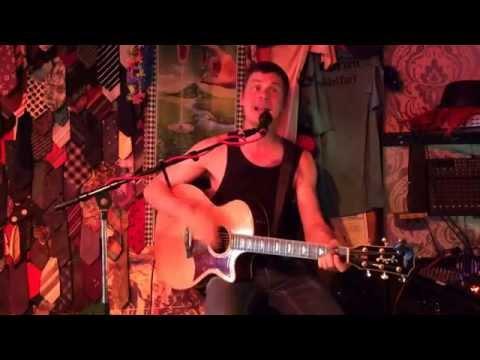 Kim Larsen - Hvis din far gir dig lov - Cover by Morten Lucas recorded in Pølsekroen in Bakken.