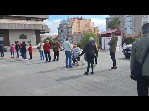 Colas para entrar en el concello de Vigo, al que se accede solo con cita previa