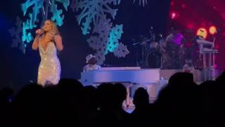 Christmas (Baby Please Come Home) Mariah Carey 12.10.16 Beacon Theatre