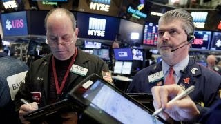 Stocks end higher, major indexes stumble into the close
