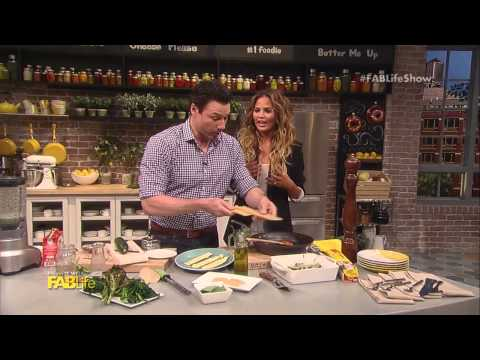 Rocco DiSpirito Cooks Lasagna with Chrissy Teigen