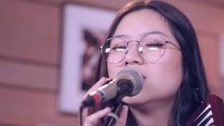 Danilla - Berdistraksi (Live at Breakout)