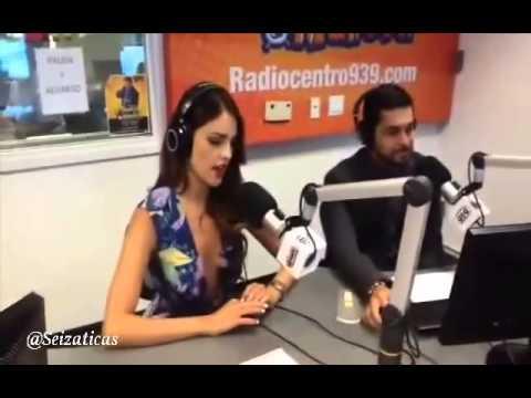 Gonzalez y wilmer valderrama en el show del mandril parte 1 youtube