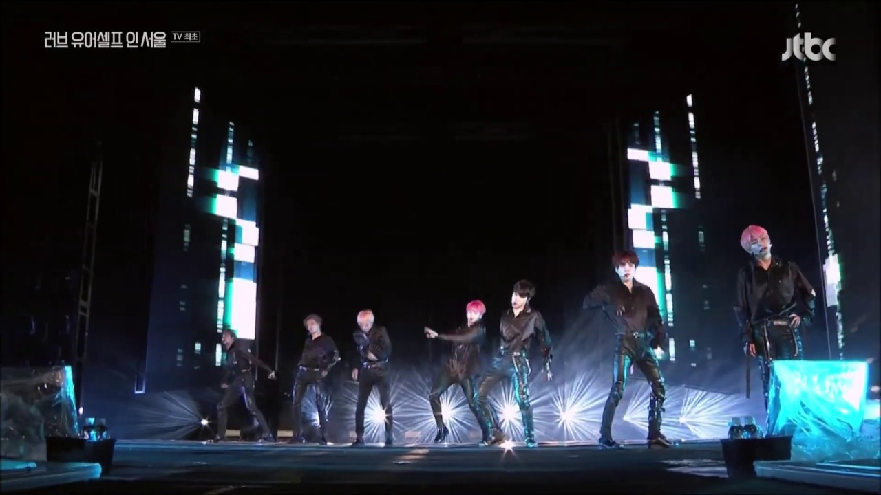 """""""FAKE LOVE"""" 방.방.콘 BANG BANG CON BTS ONLINE CONCERT DAY 2 @LY IN SEOUL"""
