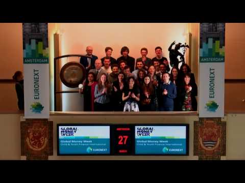 Sounding of the gong by Child & Youth Finance International marks Global Money Week 2017