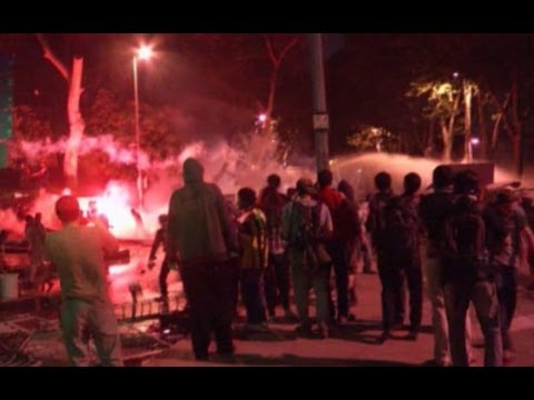 Turkey protests continue in Istanbul and Izmir