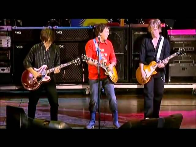 paul-mccartney-sgt-peppers-lonely-hearts-club-band-glastonbury-mcfcruss-brown