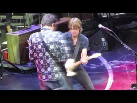 Don't Let Me Down - Keith Urban & John Mayer at Crossroads Guitar Festival