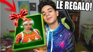 I GIFT the CHRISTMAS SKIN in FORTNITE to my Best Friend by SURPRISE! 🎁