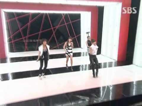 2NE1  Fire @ SBS Inkigayo 인기가요 0900628