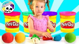 Erika aprende colores en inglés y juega pretend play con juguetes en Play-Doh   Toys and Erika