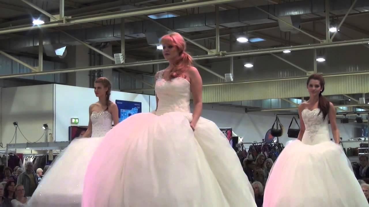 Brautmoden und Brautkleider life on Stage - Kleider für ...