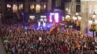 Minut de silenci a la plaça Sant Jaume dedicat a Muriel Casals