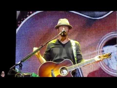 Jason Mraz - Intro / Everything Is Sound / The Remedy [Live From Madrid 2012]